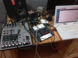 Yamaha MW8CX, TC Electronic Desktop Konnekt 6, Macbook